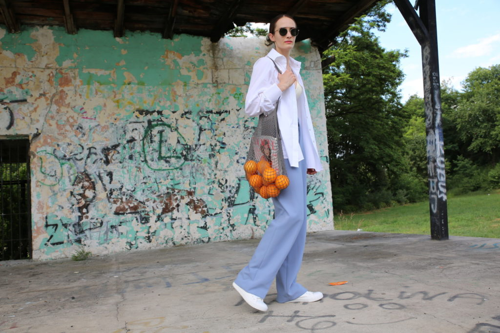 girl with oranges 2